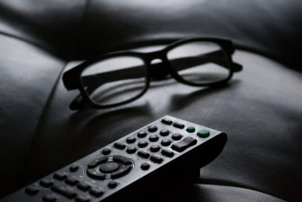 best-tv-remotes-for-elderly