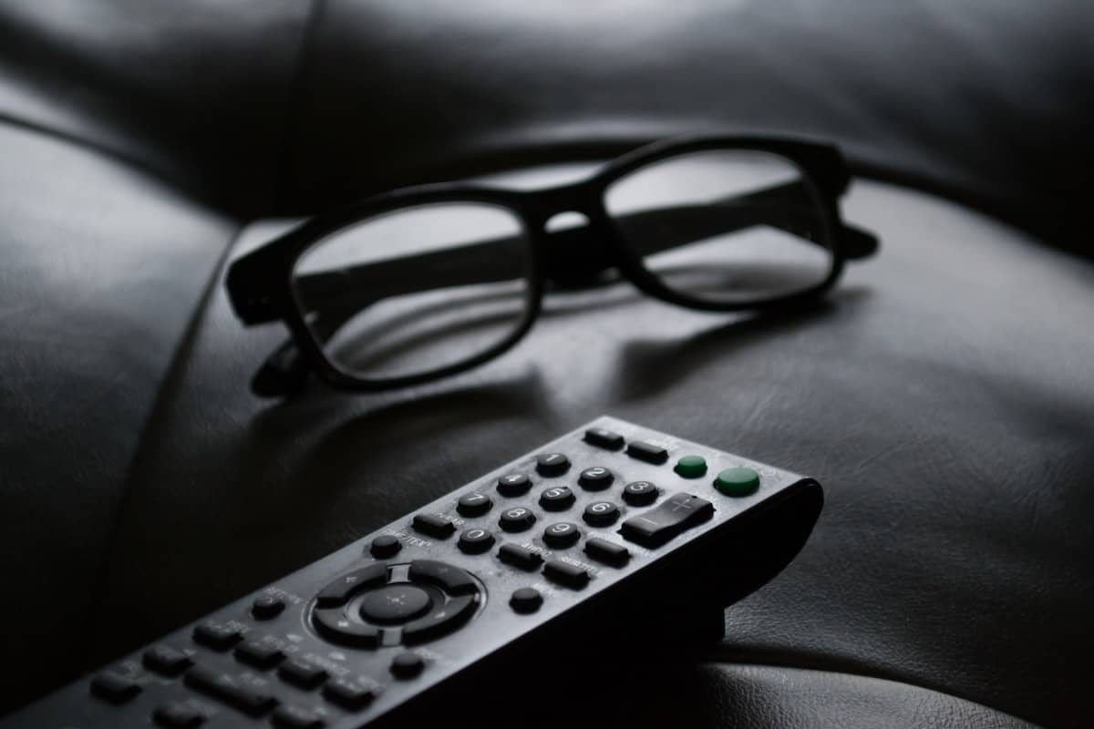 best-tv-remotes-for-elderly