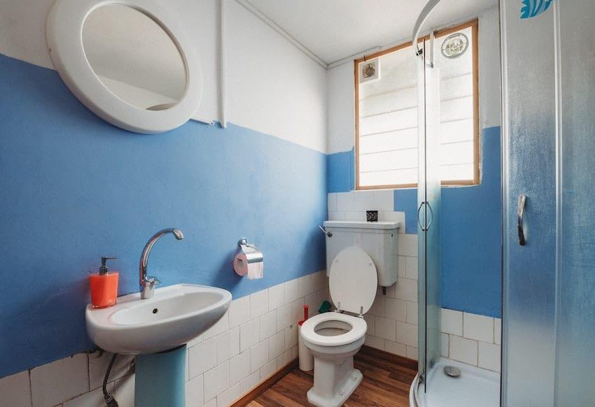 toilet shape bathroom dimensions