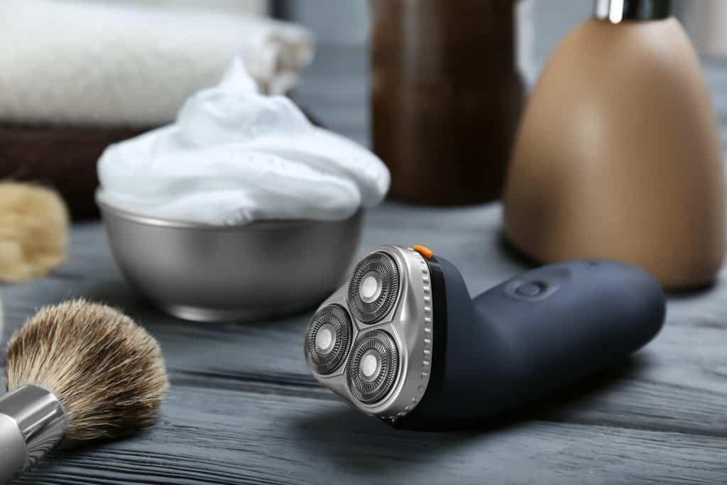 electric shaver for elderly men